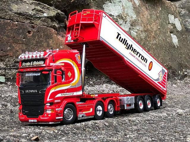 Tullyheron R580 with Muldoon trailer
